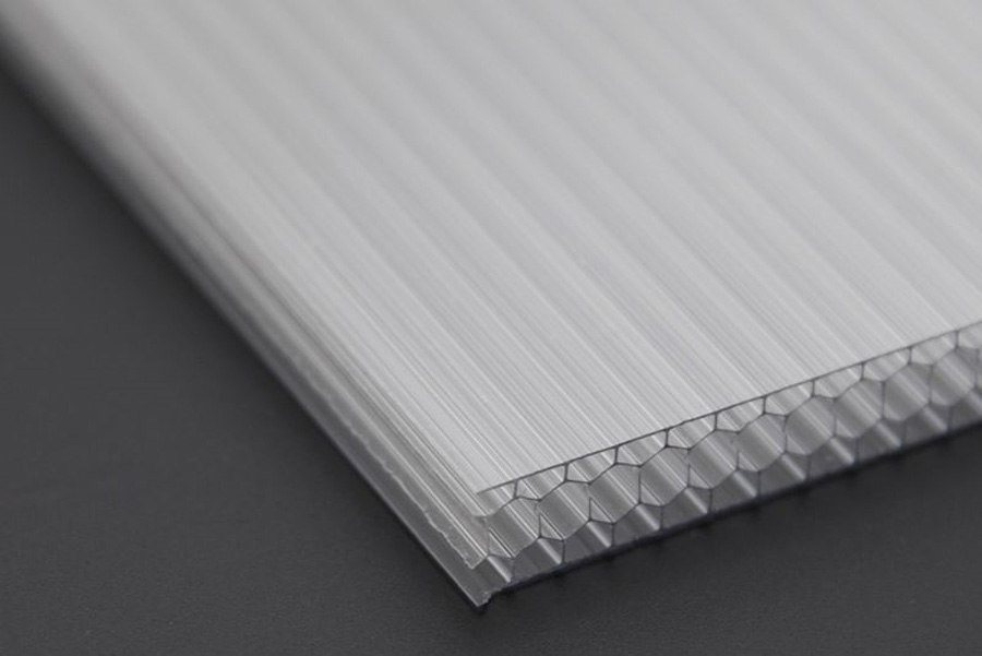 Tấm poly có 3 dòng sản phẩm chính là đặc ruột, rỗng ruột và tôn sóng