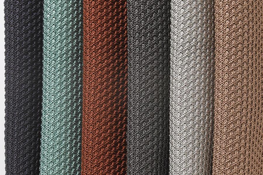 Vải nỉ tiêu âm với màu sắc bắt mắt, khả năng hấp thụ âm thanh tốt.